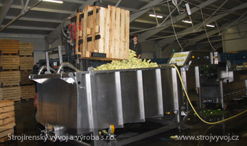 Náplavová vana pro příjem zeleniny