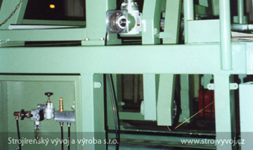 Automatic string saw for PIPO production