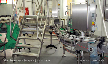 Přechodové schody pro výrobní haly